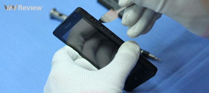 VnReview mổ smartphone rẻ nhất của Microsoft