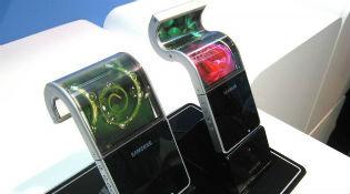 """Samsung sẽ ra smartphone """"có thể gấp lại"""" vào năm 2016?"""