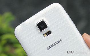 Galaxy S5, Xperia Z3, One M8 hàng xách tay giảm giá mạnh