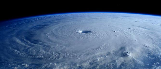 Siêu bão Maysak, hạn hán kỷ lục ở California và sự xuẩn ngốc của con người