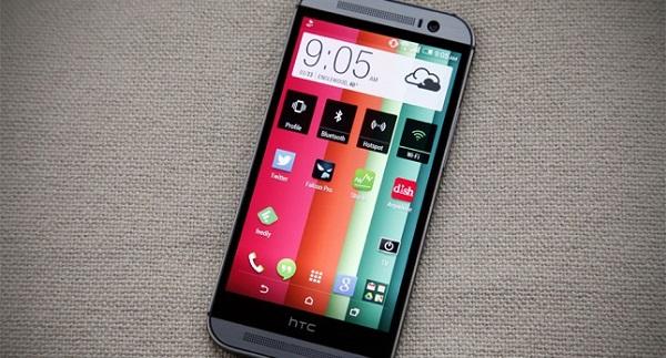 """HTC liên tục """"đại hạ giá"""" các siêu phẩm"""
