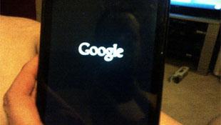 """Android 5.0 biến Nexus 7 thành """"cục gạch chặn giấy""""?"""