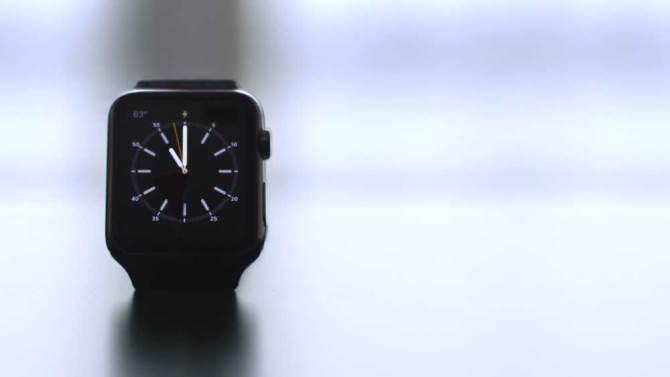 Một báo cáo mới đây của Slice Intelligence, lượng Apple Watch được người tiêu dùng đặt mua trong đợt hàng đầu tiên là 1 triệu máy. Trái ngược lại