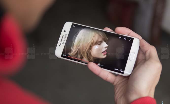 Samsung Galaxy S6 Edge có chi phí sản xuất đắt hơn Apple iPhone 6 Plus