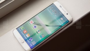 Galaxy S6 Edge dính lỗi tự xoay màn hình