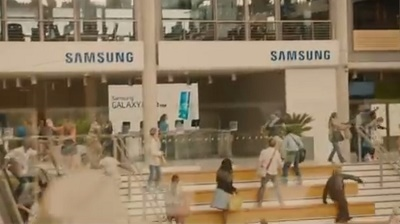 """Bom tấn Avengers 2 bị """"Samsung hóa"""""""