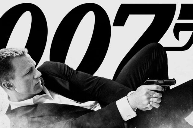 """""""007"""" từ chối dùng smartphone Sony trong phim Spectre"""