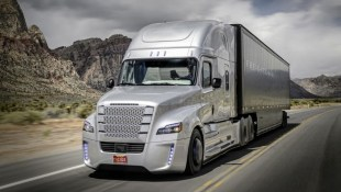 Daimler trình làng mẫu xe tải tự lái đầu tiên trên thế giới