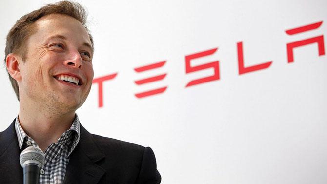 CEO Google ví Elon Musk như người vô gia cư