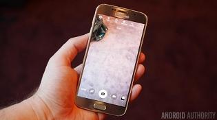 Camera trước của Galaxy S6 dính lỗi đốm tím kỳ lạ
