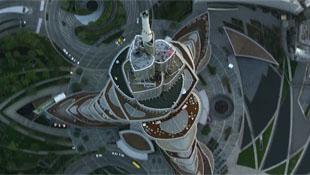 Video tàu lượn cá nhân bay trên bầu trời Dubai
