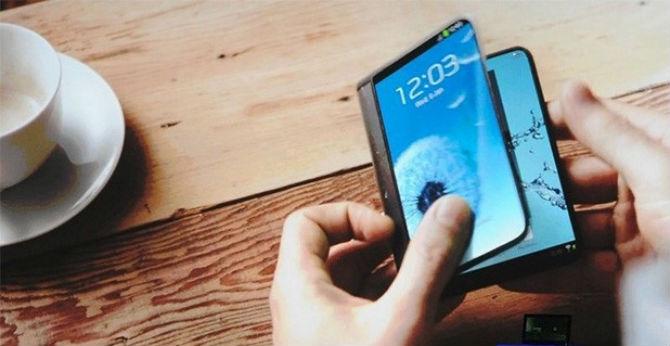 Samsung sẽ ra mắt smartphone hai màn hình, có thể gập lại vào năm 2016
