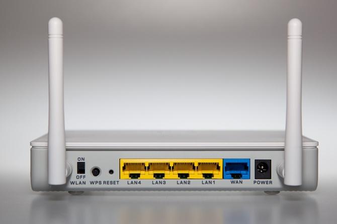 Lựa chọn giữa Wi-Fi và mạng LAN nối dây (Ethernet) là lựa chọn giữa sự tiện dụng và tốc độ/mức độ ổn định dành cho kết nối của bạn. Trong một số trường hợp, sự khác biệt sẽ là đủ nhiều để bạn buộc phải lựa chọn Ethernet.