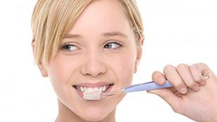 Lười đánh răng có thể gây mất trí nhớ