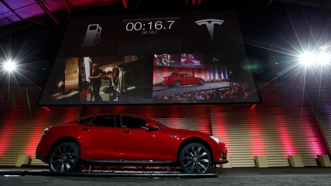 Tesla thừa nhận ý tưởng thay pin tại chỗ cho xe điện đang gặp khó