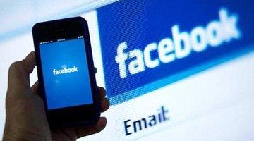 Người dùng smartphone đang 'đốt' thời gian cho Facebook và Google