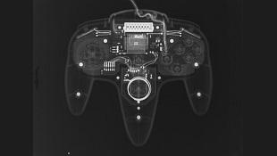 """""""Hack"""" tay cầm N64 của Nintendo để chơi Xbox One"""