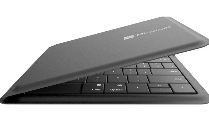Microsoft quảng cáo bàn phím Universal Foldable Keyboard bằng... iPad