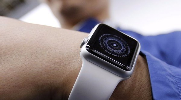 Apple Watch sẽ không khởi sắc cho tới 2017