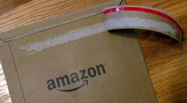 Nhân viên Amazon 'chôm chỉa' iPhone, iPad của khách hàng