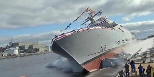 Màn hạ thủy tàu chiến 3.500 tấn ấn tượng của Mỹ