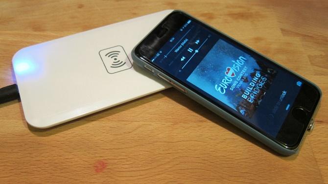 Qualcomm công bố khả năng hỗ trợ sạc không dây cho smartphone vỏ kim loại