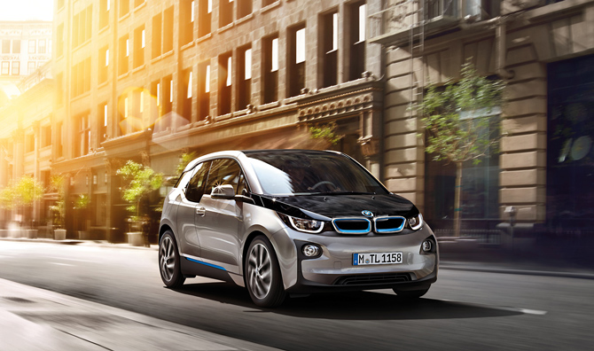 Apple muốn học cách sản xuất xe hơi của BMW