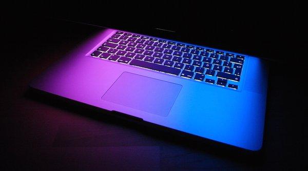 Xuất hiện sâu máy tính đầu tiên tấn công MacBook của Apple