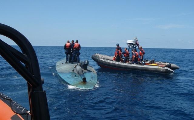 Mỹ bắt giữ 7,2 tấn cocain trên tàu bán ngầm