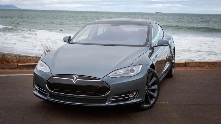 Xe Tesla không thể bị hack từ xa