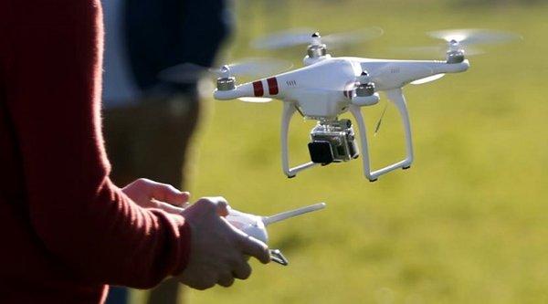Phi công Mỹ kêu trời vì nguy hiểm đến từ drone cho máy bay