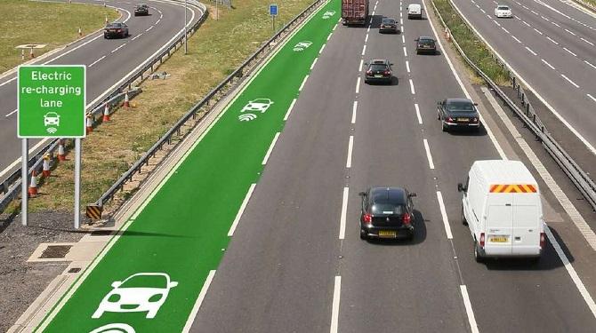 Nếu như kế hoạch của Cơ quan Quản lý Đường cao tốc tại Anh trở thành hiện thực, tài xế lái xe hơi chạy điện tại đất nước này có thể thoải mái vừa sạc pin, vừa phóng xe trên đường.