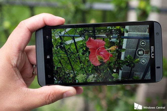 Dù thiếu hụt tính năng Rich Capture song ứng dụng Lumia Camera vẫn sẽ giúp cho người dùng Windows Phone có thể chụp ra những bức ảnh đẹp hơn bằng cách tự tùy chỉnh các thông số.