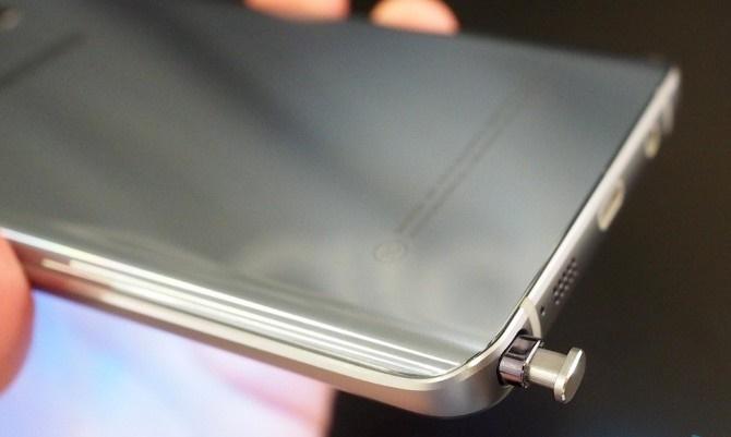 Đặt S Pen nhầm hướng có thể làm hỏng Galaxy Note 5
