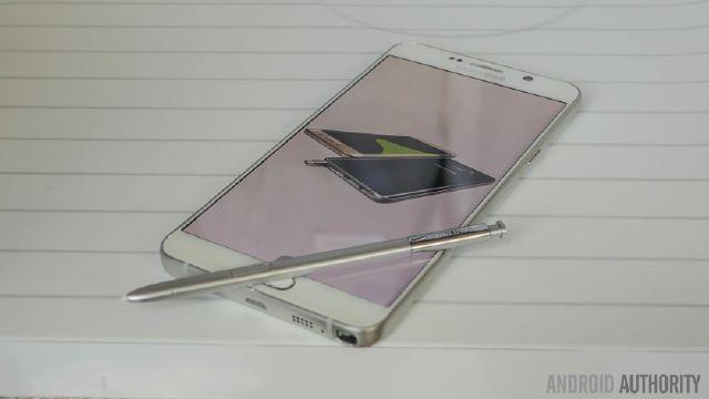 Samsung đưa ra phản hồi đáng chê trách về lỗi thiết kế của S Pen trên Note 5