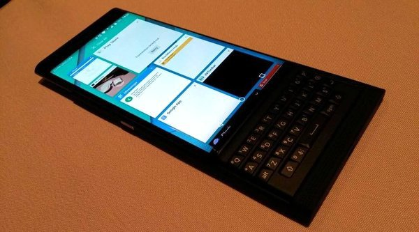Lộ ảnh rõ nét bàn phím trượt BlackBerry Venice