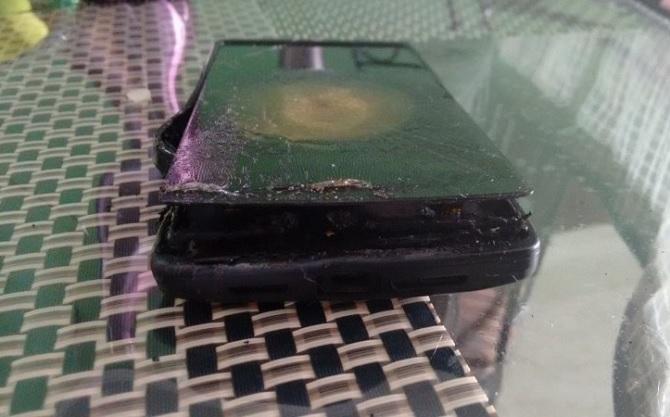 OnePlus One bị cáo buộc phát nổ khi sạc