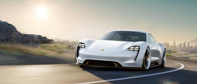 """Porsche Mission E, mẫu xe điện """"bá đạo"""" thách thức Tesla Model S"""