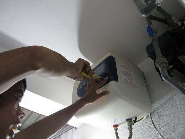 Đề phòng tai nạn thiết bị điện mùa mưa bão, ngập nước