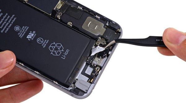 Chi phí linh kiện iPhone 6s Plus chưa tới 5,5 triệu đồng