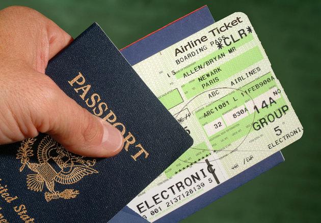 Đừng đăng ảnh vé máy bay lên Facebook - VnReview - Tin nóng
