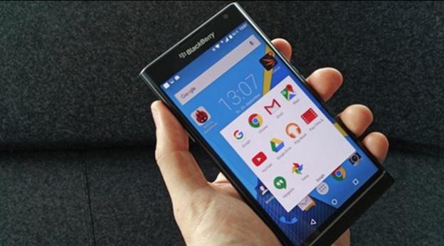 BlackBerry lộ giá bán và nhiều ảnh cận cảnh mới