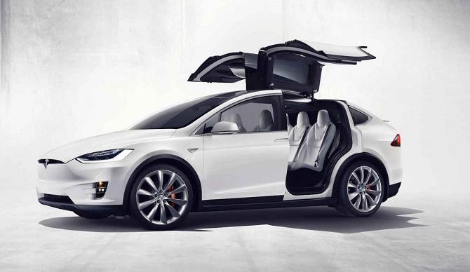 Một lỗ hổng trong luật thuế Hoa Kỳ có thể sẽ giúp giá của chiếc Model X giảm giá tới 25.000 USD (khoảng 560 triệu đồng) vì chiếc xe này... quá nặng.