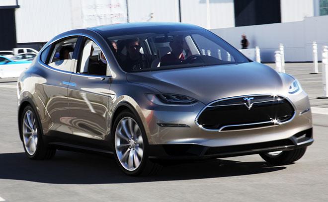 """Tesla """"bày cách"""" lách luật Mỹ để giảm giá... 25.000 USD cho Model X"""
