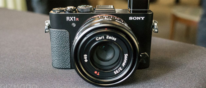 "Sony RX1R II: máy ảnh full-frame 42 ""chấm"" bỏ túi"