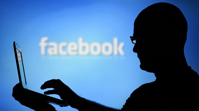 Trong một tuyên bố trên blog công ty vào ngày 17/10, giám đốc bảo mật của Facebook, Alex Stamos tuyên bố sẽ cảnh báo người dùng nếu như tài khoản của họ bị tấn công bởi một tổ chức chính phủ.
