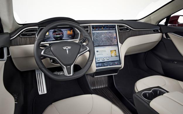 Tính năng tự lái trên xe Tesla gây nguy hiểm cho người dùng