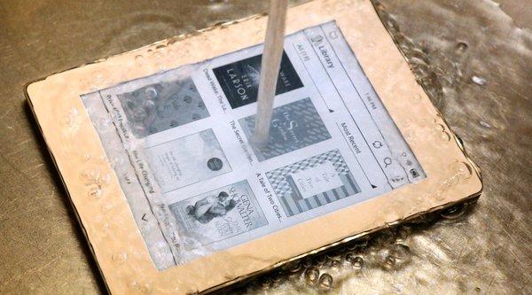 B&N ra mắt máy đọc sách chống nước Nook GlowLight Plus