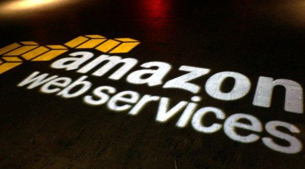 Amazon lãi bất ngờ trong quý 3/2015, giá cổ phiếu tăng kỷ lục
