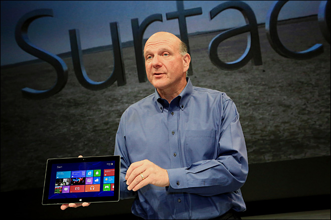 """Sau khi Microsoft bị CEO của Amazon gọi là """"câu lạc bộ đồng quê"""", vị cựu CEO của Microsoft đã đáp trả một cách hoàn hảo bằng cách nhắc lại scandal về môi trường làm việc thiếu tình người của đối thủ."""
